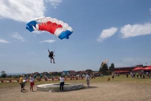 petrovdanski padobranski kup 2014-prvi dan (1)