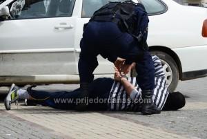 policajac u akciji