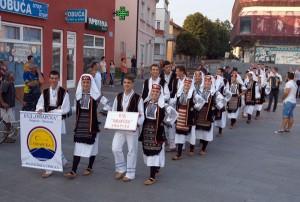 srna-kulturno ljeto 2015-smotra folklora (1)