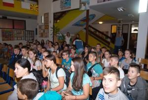 srna-os branko copic-djeca sa kosova (1)