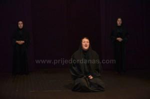 odigrana predstava-u pozoriste (3)