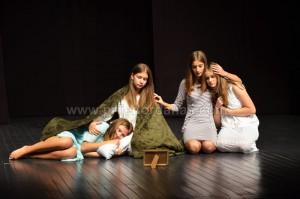 odigrana predstava-u pozoriste (4)