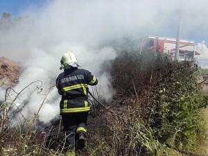 vatrogasci prijedor-pozar-deponija guma (6)