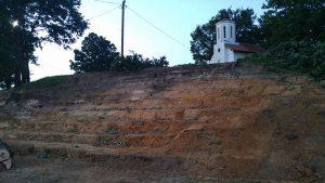 brezicani-amfiteatar kod crkve (6)
